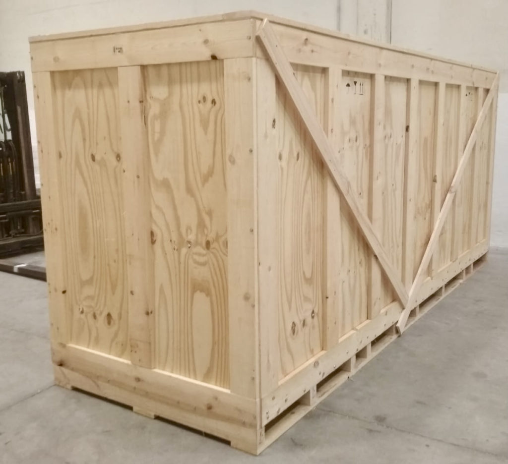 Contenedor guardamuebles de madera